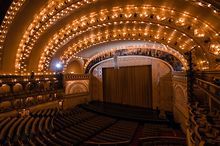 Auditorium-Theatre-receives-Outstanding-Historic-Theatre-Award