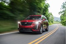 AUTOS-2020-Cadillac-XT6-is-the-stylish-transport-for-you-and-your-posse