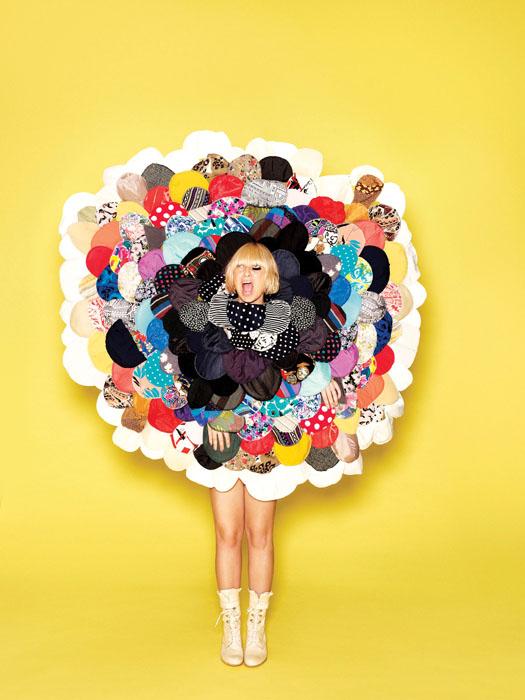 Calendar Sia : Singer sia on her cd and christina aguilera gay