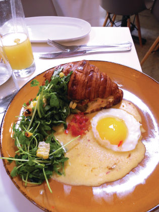 Cafe Crème: French restaurant charms Wicker Park patrons
