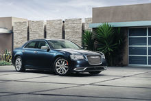 VEHICLE-REVIEW-Thats-so-gay-2015-Chrysler-300-big-and-butch-as-you-are