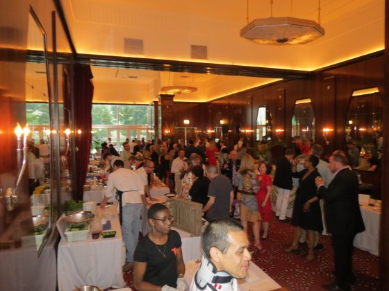 'Chefs' holds annual  event in new spot;  'Starving' at Venue One