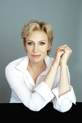 Jane Lynch: Bringing her song-and-dance to Chicago