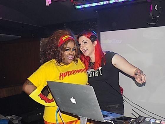 lesbian clubs in michigan