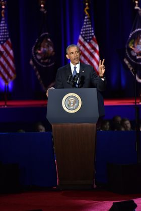 Obama says a fond farewell from Chicago