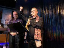 Gary-Chichester-receives-Damski-Award-