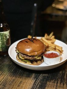 DINING-Late-night-burger-Bistro-Campagne-New-Years-Eve-offerings