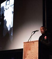 Duncan-receives-arts-academy-award
