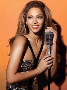 SHOWBIZ-Aguilera-Beyonce-Tribeca-Film-Festival-Marc-Jacobs