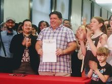 Pritzker-signs-order-that-protects-trans-students
