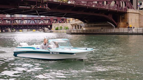 ACTIVITIES Rollin' on the river, courtesy of the Chicago Electric Boat Company